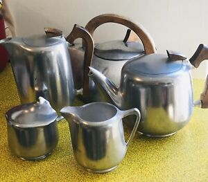 picquot ware tea set & Kettle