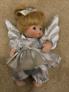 """Show Stoppers Platinum 20th Aniversary 6"""" Porcelain Doll 61130P"""