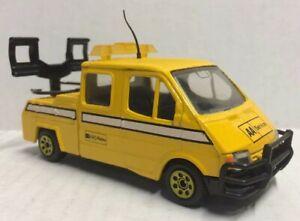 Corgi 1:43 Ford Transit AA Service Diecast Tow Truck