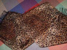 Pañuelo fular leopardo  por un lado liso y otro lado gusto pelo fino raro o tela