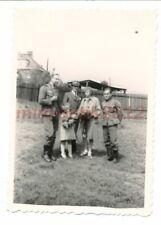 Foto, WK2, Nachl.Funker 2./N.6, Prag, Familie zu Besuch, 1939  5026-529