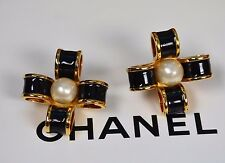 CHANEL Vintage Clip On Earrings Pearl Black and Gold Enamel Jumbo Signed Glossy