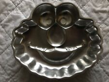 Wilton Industries Sesame Street Elmo Face Cake Pan Mold Insert number 2105-3461