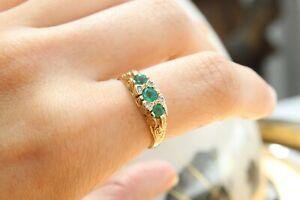 9ct yellow gold three stone round emerald with diamond embellished ring 3.0g