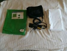 LS muslin backdrop screen for photo/video (green and white) and NRG light