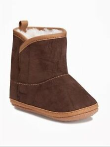 New Infant Girls Boys Old Navy Brown Sueded Crib Boots 0-3 18-24 months