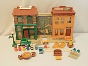 Fisher Price Little People Play Family Sesame Street House #938