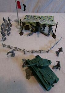 1960's Marx playset 88mm German cannon camouflaged cover soldiers tank tin flag