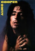 ALICE COOPER 1977 GUILTY TOUR CONCERT PROGRAM BOOK BOOKLET / NEAR MINT 2 MINT