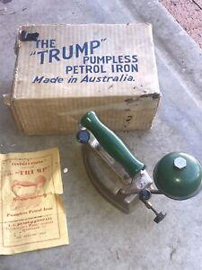 VINTAGE 30s The Trump Pumpless Petrol Iron Green Bakelite Coleman Aladdin Deco