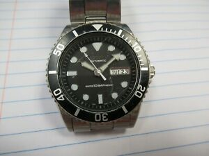 Seiko Automatic 10Bar 7S26-0040 Stainless Steel Oyster Band Day Date Wristwatch