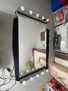 Ikea Spiegel Und wandleuchte