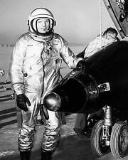 NEIL ARMSTRONG NASA TEST PILOT STANDS NEXT TO X-15 AIRCRAFT- 8X10 PHOTO (EP-130)