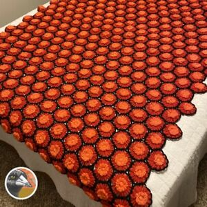Vintage Handmade Crocheted Afghan Blanket Throw w/ 3-D Daisies Flowers