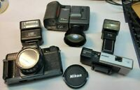 LOT 3 vintage cameras + 2 flashes + tele convector + accessories + carry cases