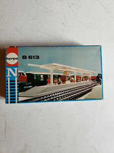 HERPA N SCALE TRAIN PLATFORM PLASTIC MODEL KIT #B613
