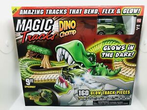 Magic Tracks Dino Chomp Glow in The Dark Race Track 9ft Speedway d20