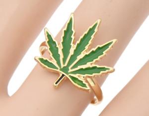 Marijuana pot leaf toe ring