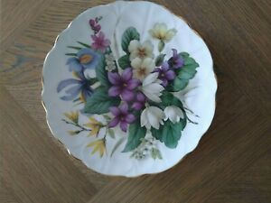 """English Bone Chine floral wall plates, 8"""" dia collection of 6 in great condition"""