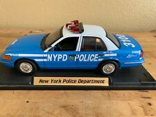 Motor Max 2002 NYPD Ford Crown Victoria Police Car 1/18 scale Pre-Owned