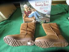 NEW IN BOX SKECHERS TOASTY TOES BOOTS 7.5 CHESTNUT SUEDE LEATHER, MEMORY FOAM