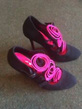 Love Label Ladies High Heel Shoe In Black And Pink Size 4