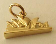 SOLID  9ct  Yellow GOLD  3D  SYDNEY OPERA  HOUSE  AUSTRALIA Charm/Pendant