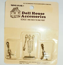 Toys R Us Brand Miniature Dollhouse Fireplace Andirons Matching Tool Set Gold