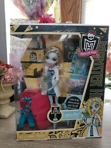 Monster High 2011 Mad Science Lagoona Blue Daughter of Sea Reti red Doll