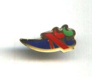 Great Britain Paralympic Olympic Team pin undated badge from Athens 2004