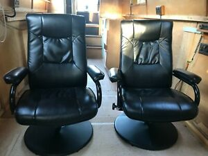 Pair of swivel recliner chairs good condition preowned
