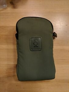 Crumpler Triple A Compact Camera Pouch 100 - Case Sleeve Neoprene - Green
