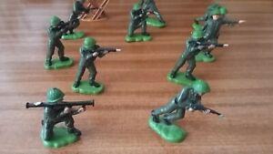 10 Britain's 54mm plastic khaki infantry British soldier action figures