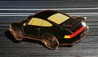 Porsche Pin 911 schwarz golden gestempelt SRE - Maße 52x27mm