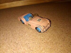 Dinky toys 111 Triumph TR2 d'origine Made in England Meccano