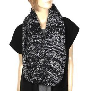 Nine West Scarf Chunky Zig Zag Infinity Loop Women Black White Warm Knit NWT