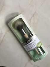 Eco Tools Sheer Finish Brush for a Lightweight Application