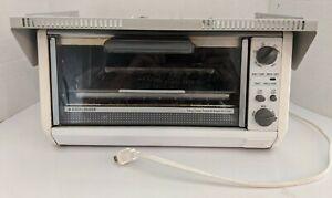 Black & Decker Spacesaver Spacemaker Toast-R-Oven/Broiler W/Mounting Hood & HW