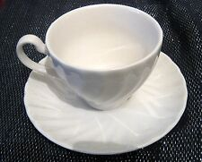 Wonderful Johnson Bros 2x cups & 3 x saucers lovely off white colour