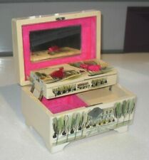 VINTAGE JAPANESE LACQUERED MUSICAL JEWELLERY BOX WITH KEY