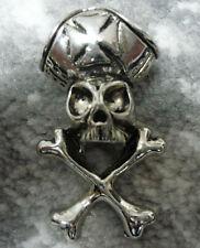 Brooch (badge) pirate skull