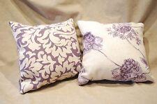 Zwei Zierkissen aus robustem Möbelstoff, lila-beige, inkl Füllung 24 * 24 cm NEU
