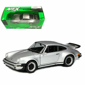 WELLY 1/24 SCALE 1974 SILVER PORSCHE 911 TURBO 3.0  DIECAST CAR MODEL 24043SIL