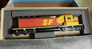 Athearn ho scale locomotive Dummy SD-40-2 Santa Fe