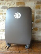 2 Two Delsey Suitcases 4 Wheel Modern Brown Large Medium His & Hers Barely Used