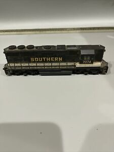 Pt2) HO Scale Bachmann Southern RR GP50 Diesel Locomotive # 7074 DCC equipped
