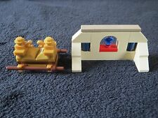 LEGO 7621 Tomb Ark and Emerald Minifigs