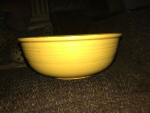"""Vintage 1940s Original Yellow Fiesta Ware Unlisted Promotional 9-3/4"""" Salad Bowl"""