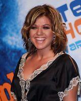 Kelly Clarkson 8x10 Photo #156