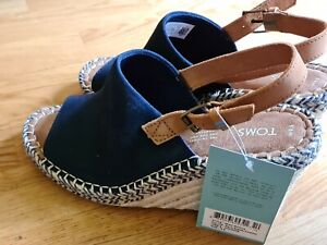 Stunning Suede & Leather Sandals By Toms ~ Navy Tan Wedge ~ New Boxed ~ UK 7.5